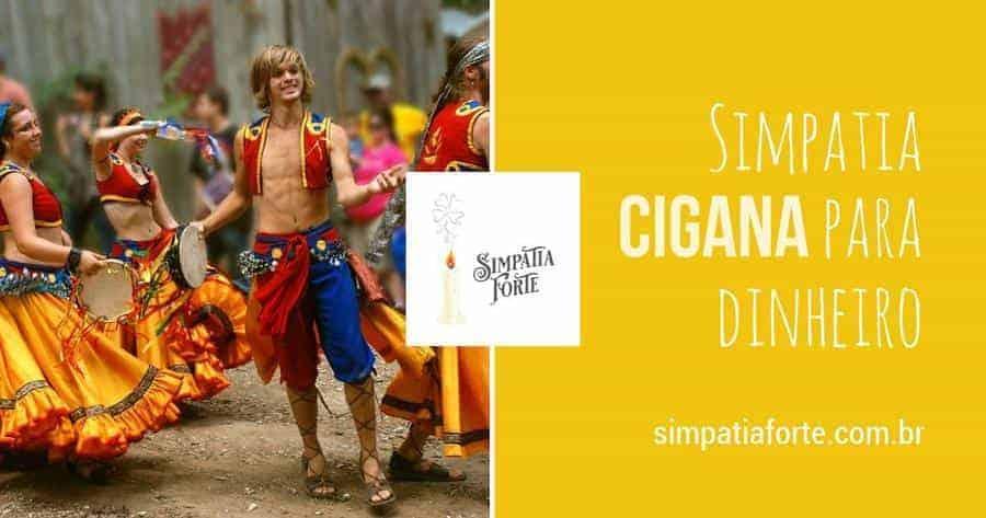 Apresentação de dança cigana nas ruas para trazer prosperidade