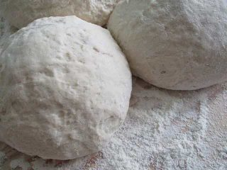 pães pronto para assar com fermento